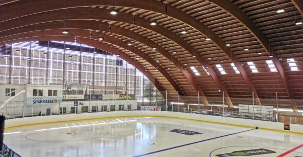 Eislaufsaison in der Stadthalle Althofen gestartet